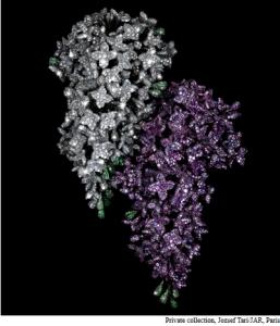 Lilac brooch by JAR
