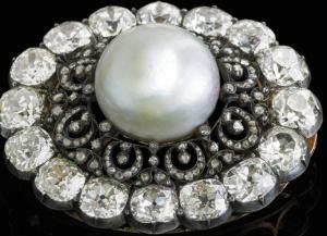 Natural Saltwater Pearl